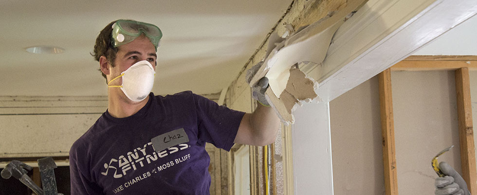 Law Students Travel Across Baton Rouge to Lend a Hand During Fall Day of Service